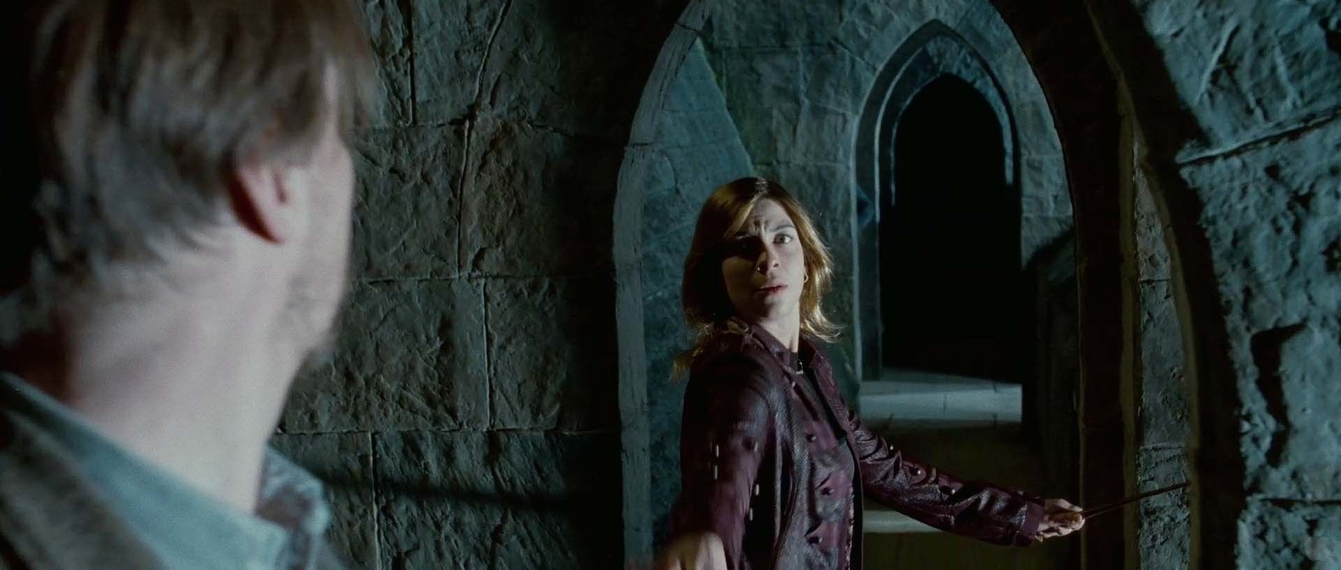 Tonks Lupin Image Tonks Lupin In Deathly Hallows Pt 2 Trailer Harry Potter Weekend Tonks And Lupin Harry Potter Fan