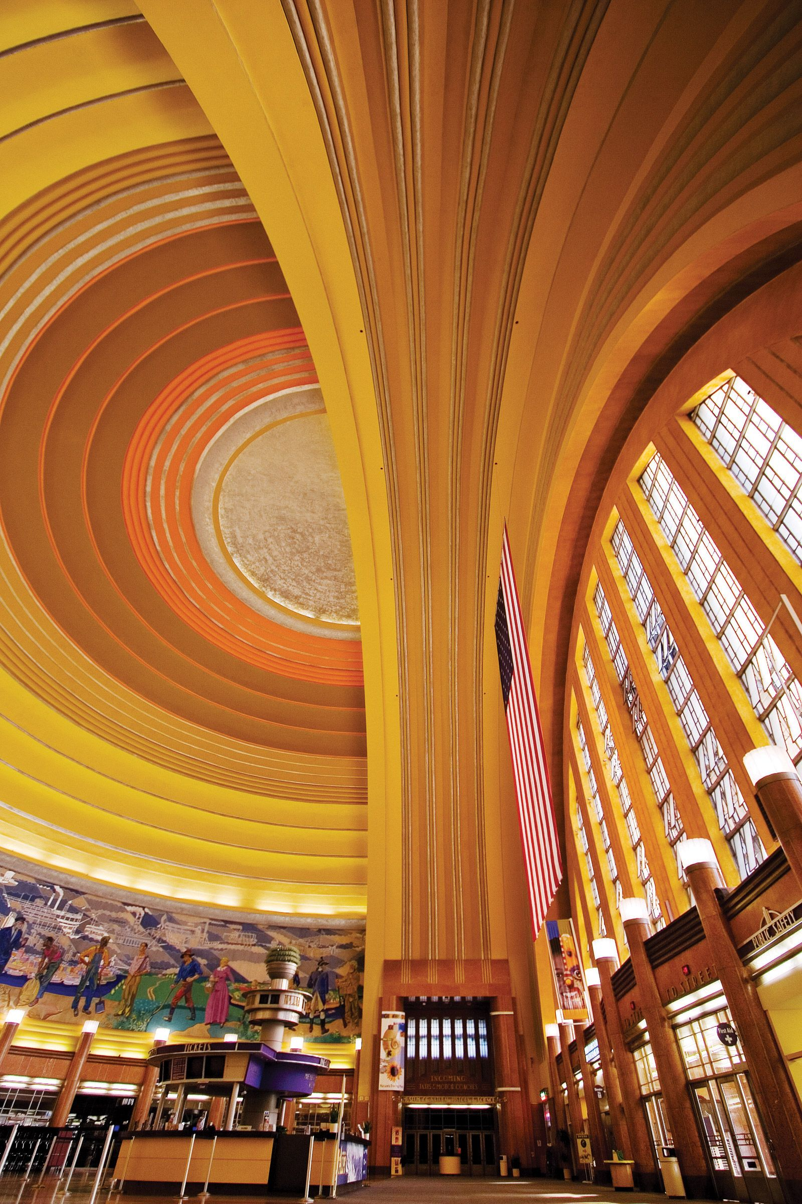Hit three museums in one building at Cincinnati Museum Center at Union Terminal -- including the Cincinnati History Museum Museum of Natural History and ... & Cincinnati Museum Center at Union Terminal - Rotunda   color ... azcodes.com