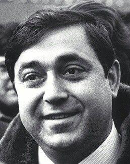Il 28 maggio 1980, Walter Tobagi, docente di Storia Contemporanea a Milano e giornalista del Corriere della Sera che da tempo si occupava di terrorismo, è ucciso a colpi di pistola nel capoluogo lombardo. L'attentato è presto rivendicato dalle Brigate Rosse.