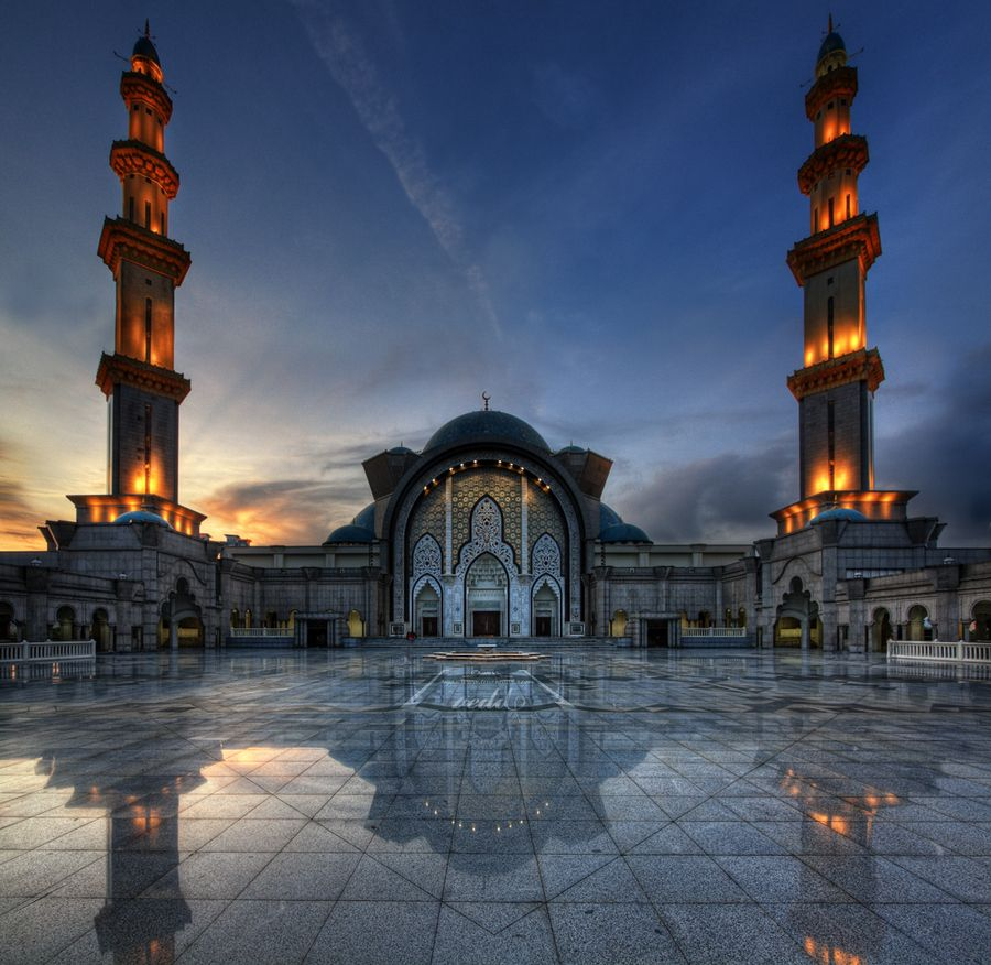 The Kuala Lumpur Mosque Was Constructed Between 1998 And