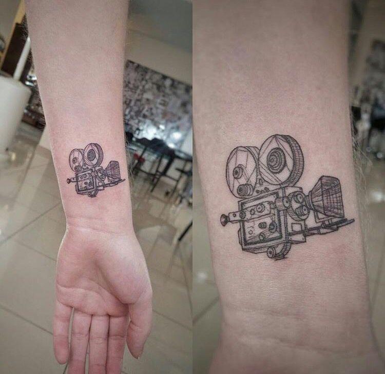 Tattoo Of An Old Cinema Camera Love The Geometric Influence Tatuirovka Kamera Iskusstvo Tatu Tatuirovki