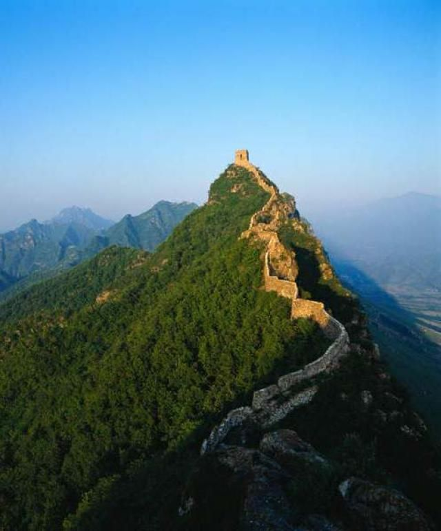 Pin By Dayana Moreno On Estructuras Famosas A Nivel Mundial Places To Travel Great Wall Of China China Vacation