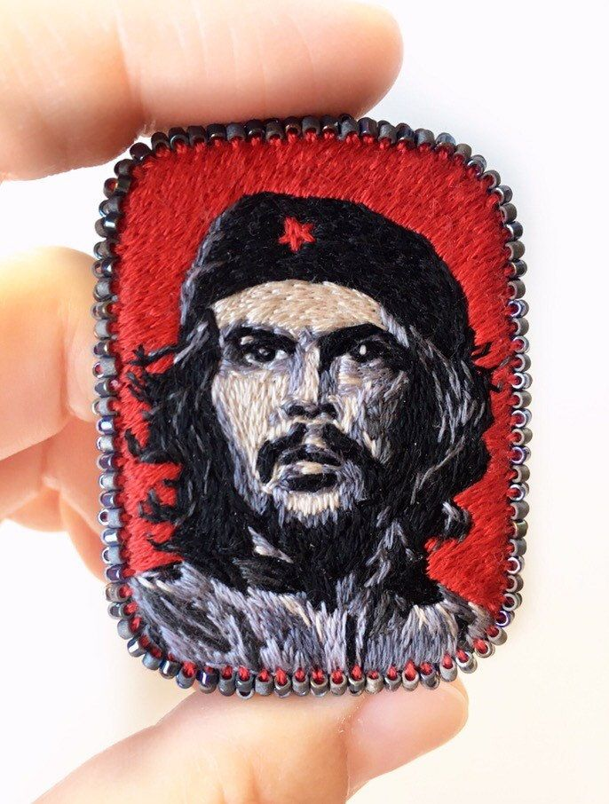 Embroidery brooch Che Guevara. Ernesto Che Guevara Embroidery portrait. Textile art jewelry. Art brooch #cheguevara