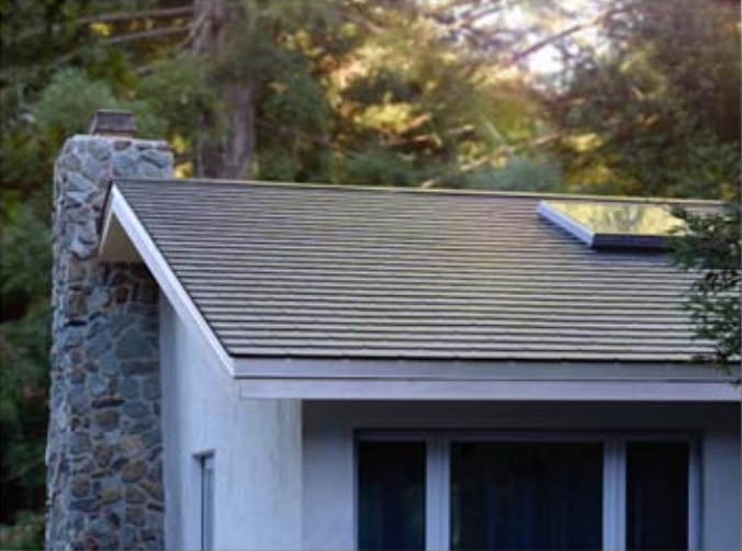 Tesla Finishes First Solar Roofs Including Elon S House Bloomberg Solar Roof Tesla Solar Roof Solar Tiles