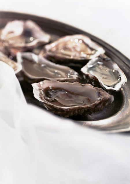 The 10 Dirtiest Foods You're Eating: Raw Oysters