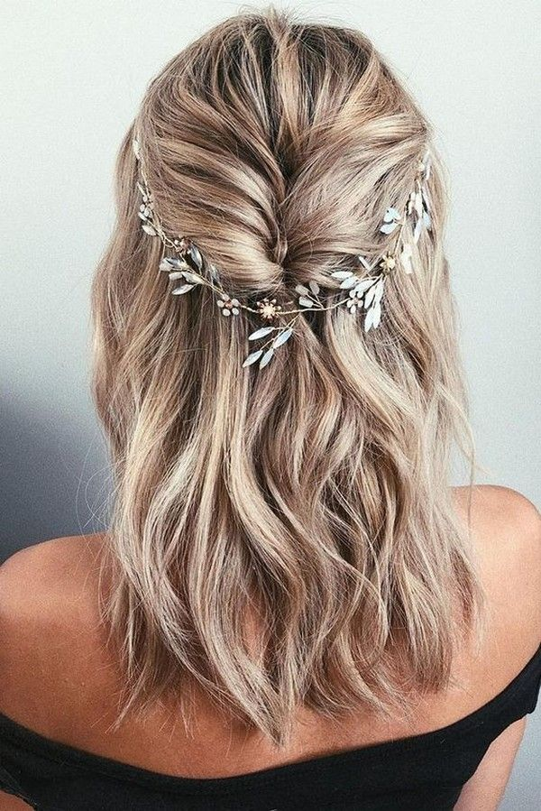 20 Medium Length Wedding Hairstyles For 2021 Brides Emmalovesweddings Hair Styles Bridal Hair Vine Hair Vine Wedding