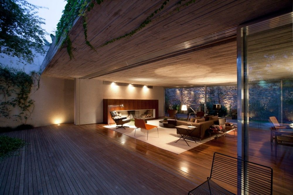 Chimney House / Marcio Kogan: My house will have an indoor/outdoor living space like this !