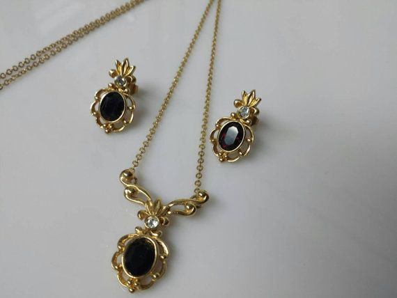 Avon Juliette  Red  Ruby  Pierced earrings and Necklace set  1990