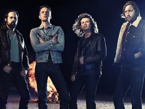 I Killers annunciano un albun natalizio che raccoglie tutti i loro brani dedicati al Nat https://t.co/ZskkBWGGbm https://t.co/KAA4xVBCMV
