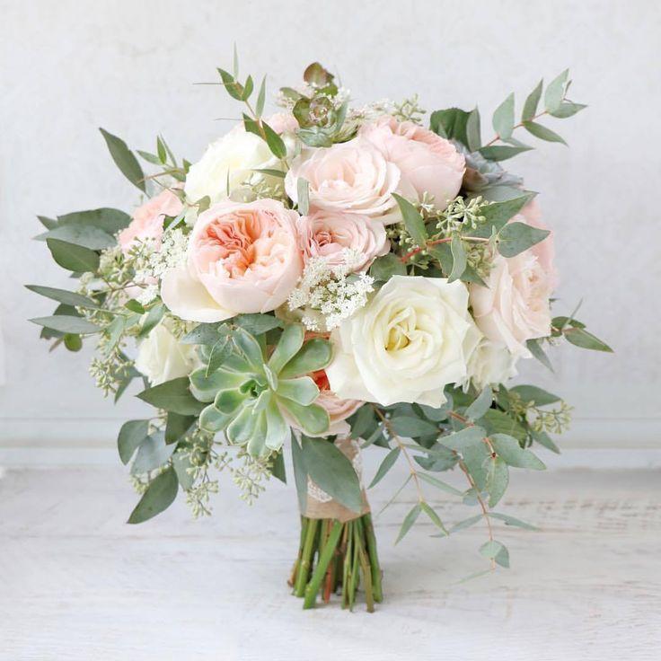 Sarah Hochzeit #whitebridalbouquets