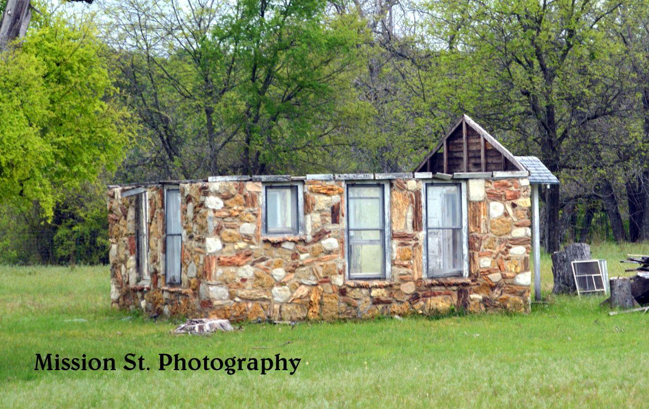 Cabins In Rivercrest/ Earp Park On Barnard St. Glen RosePetrified ...