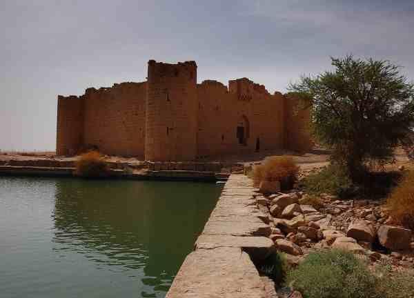 دليل لايفوتك قلعة المعظم يقع هذا الموقع الأثري على مسافة تصل إلى 65 كم من الأخضر وذلك بمنطقة تبوك من ناحية الجنوب الشرقي لا يفوتك Outdoor Water Journey