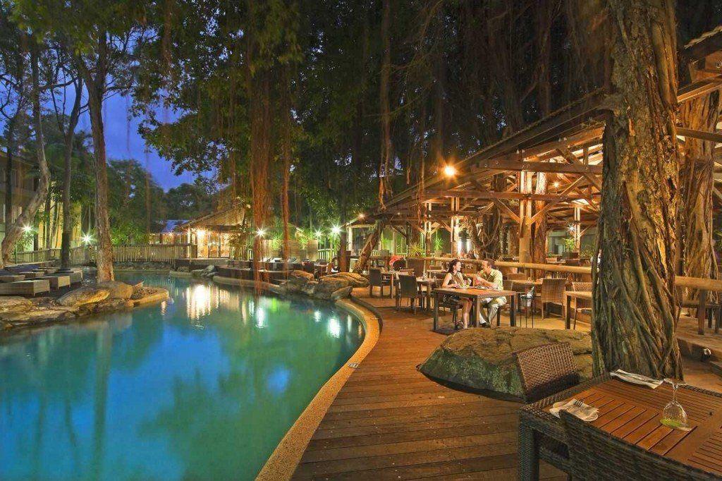 Treat your valentine at Ramada Resort Port Douglas http