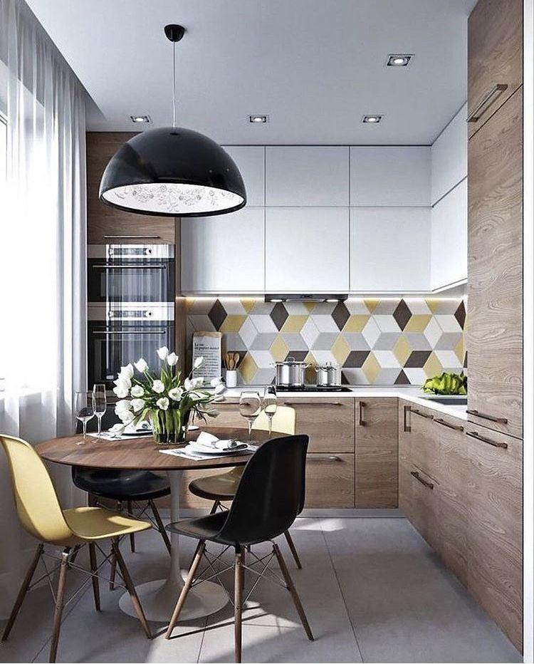 Cucina chiara mattonelle corporate | Cucina mansarda nel ...