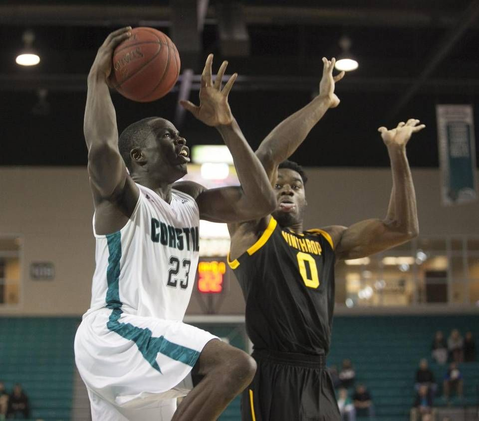 Cliff Ellis earns 700th win as Coastal Carolina blasts