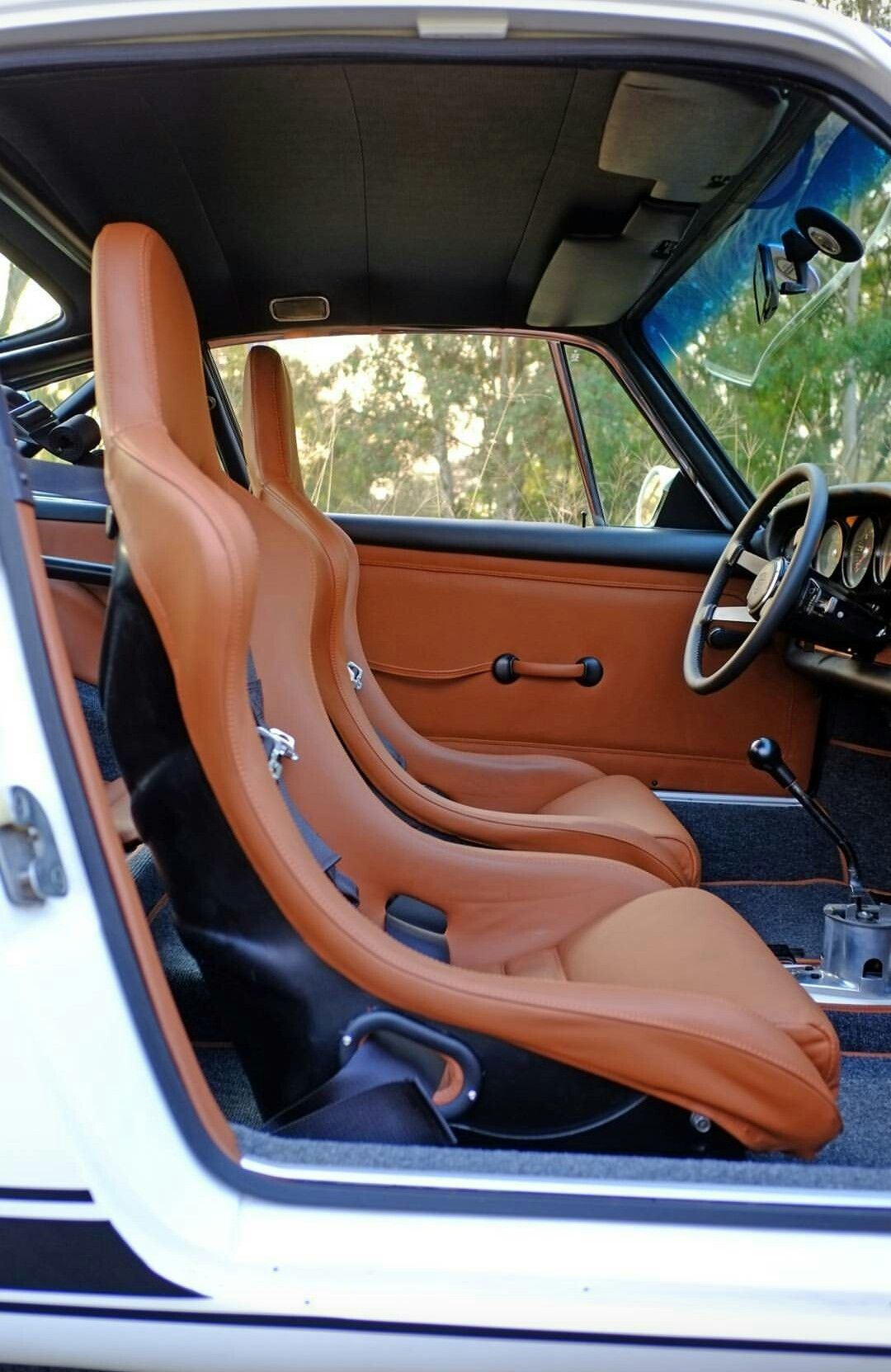 Pin By Jim Suverkrup On Interior Pictures With Images Porsche