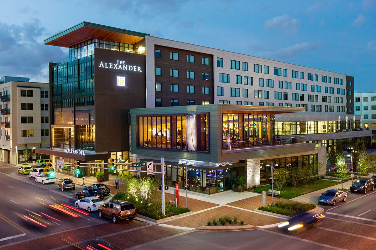 Art Hotel Makes Well Deserved Nickname For Downtown Indianapolis Alexander