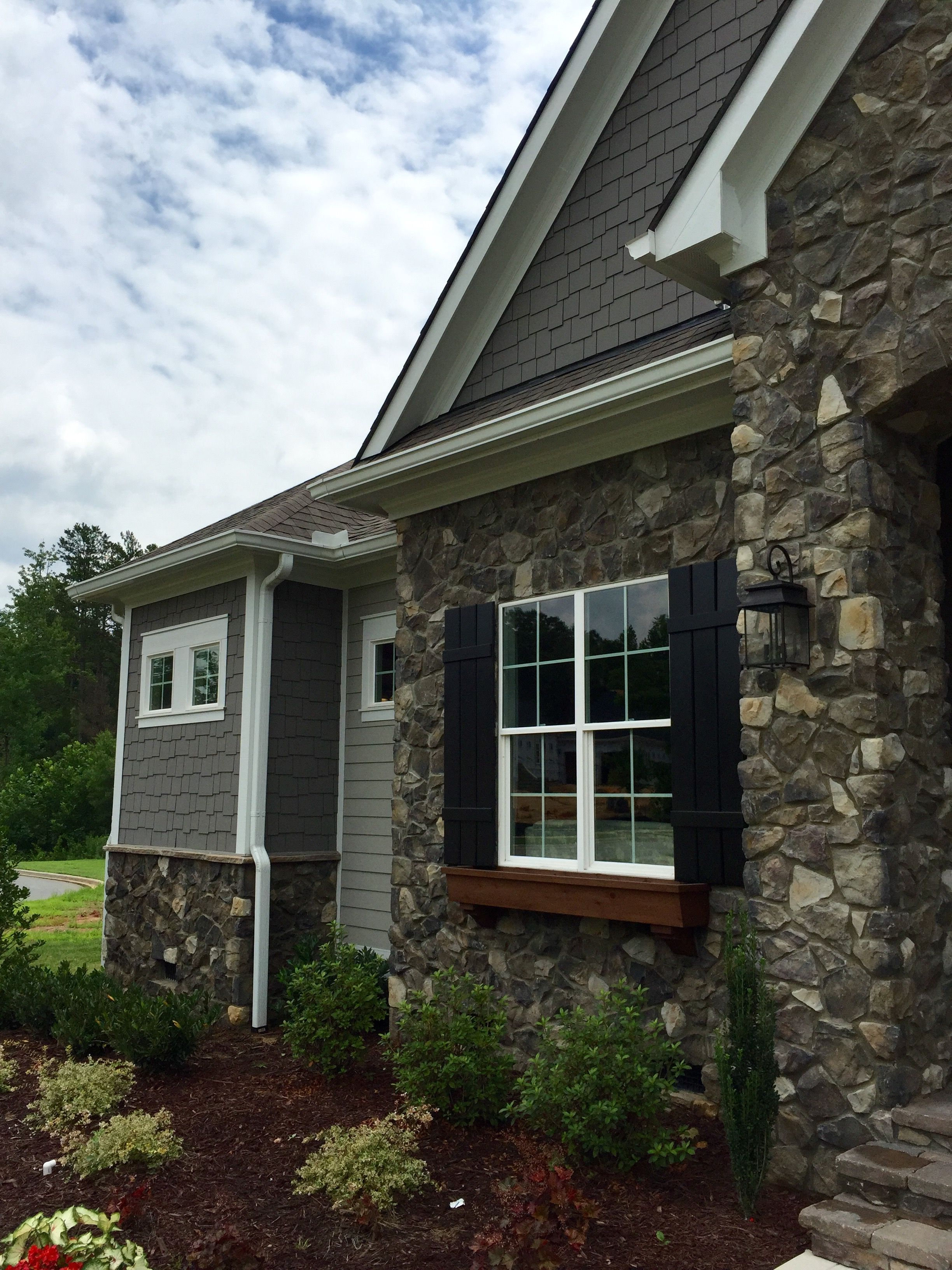 Arh exterior plan hampton e exterior 51 roof oc for Exterior metal paint in dark brown