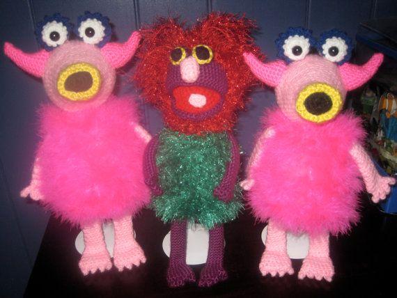 I NEED to learn how to crochet!!!  Mahna Mahna Inspired Crochet Pattern by lamspratt on Etsy, $10.00