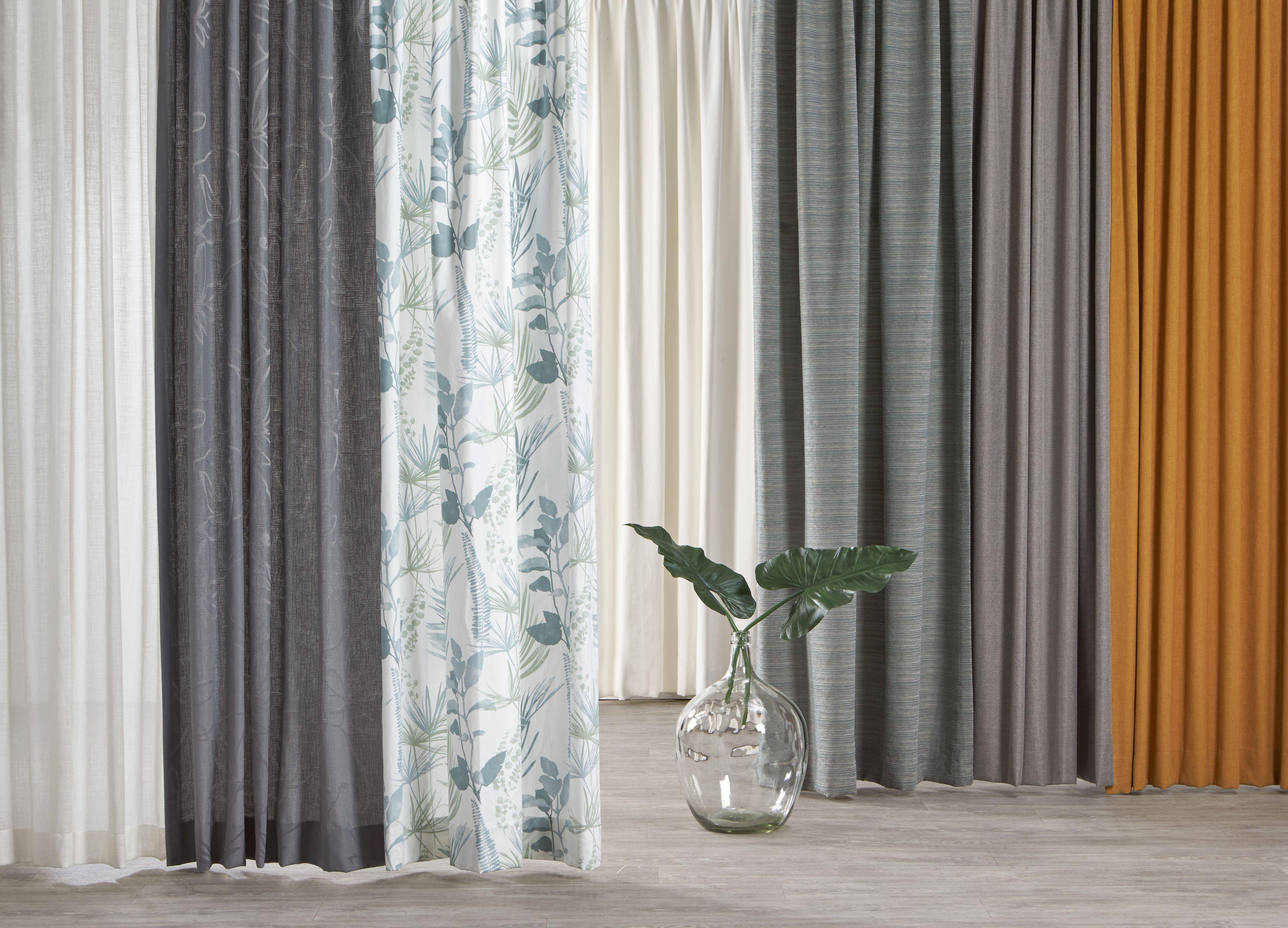 Raamdecoratie luxaflex silhouette shades met een zelfgemaakte