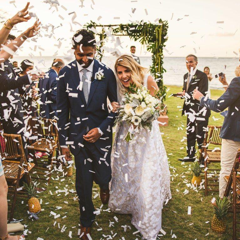 25 Wedding Sendoff Ideas For Making An Unforgettable Exit