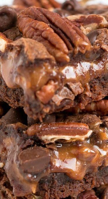 Rich Chocolatey Turtle Brownies - Garnish & Glaze