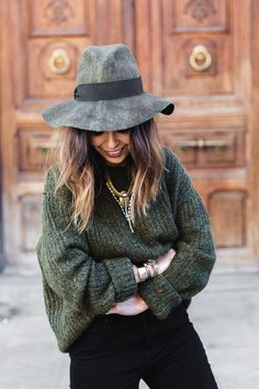 Khaki on point! Amazing fedora. Asos got a similar one today. See here: http://asos.do/MDXJkg