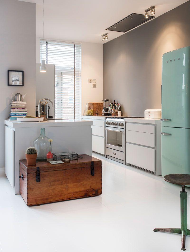kitchen in the remodeled 1920s home of style director odette simons int design mint kitchen. Black Bedroom Furniture Sets. Home Design Ideas