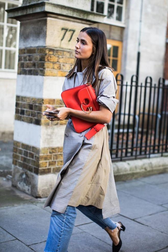 Street style à la Fashion Week printemps-été 2018 de Londres   mode ... 2d2b211bfc5