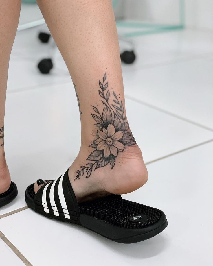 It's what you want Now and then it rolls. Go aside to … #flowertattoos