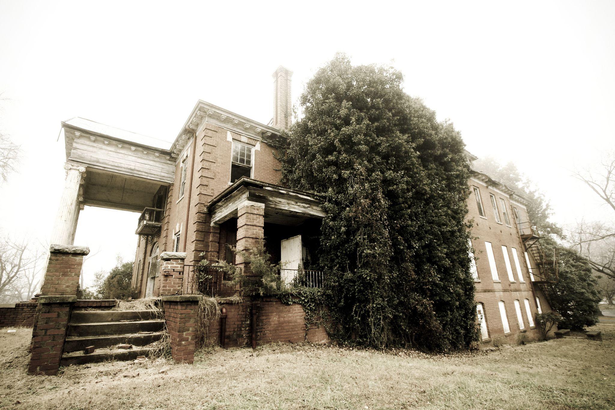 This Creepy School In North Carolina Is Still Standingu2026 And Still Disturbing