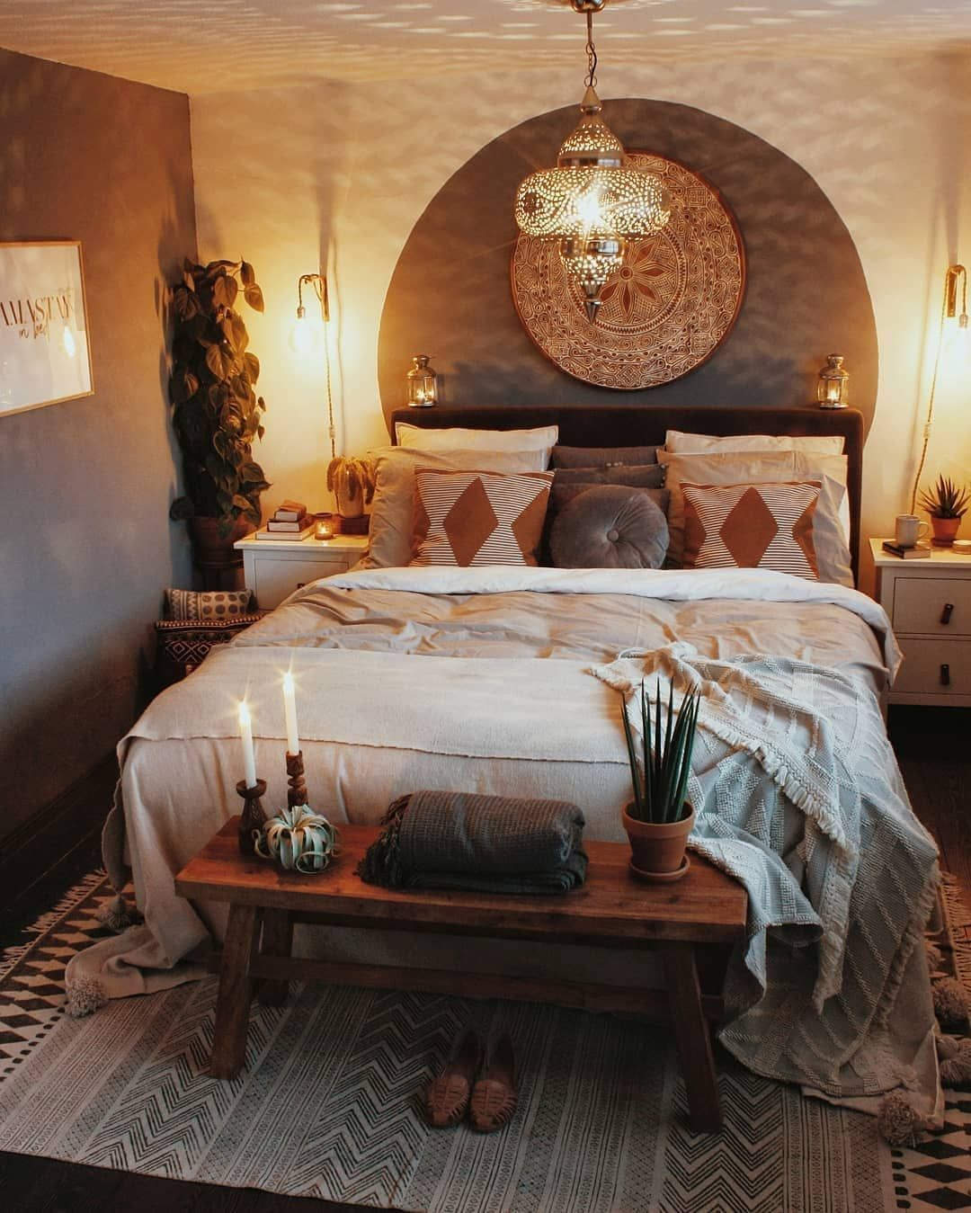 What S Hot On Pinterest Vintage Bedroom Ideas For Your New