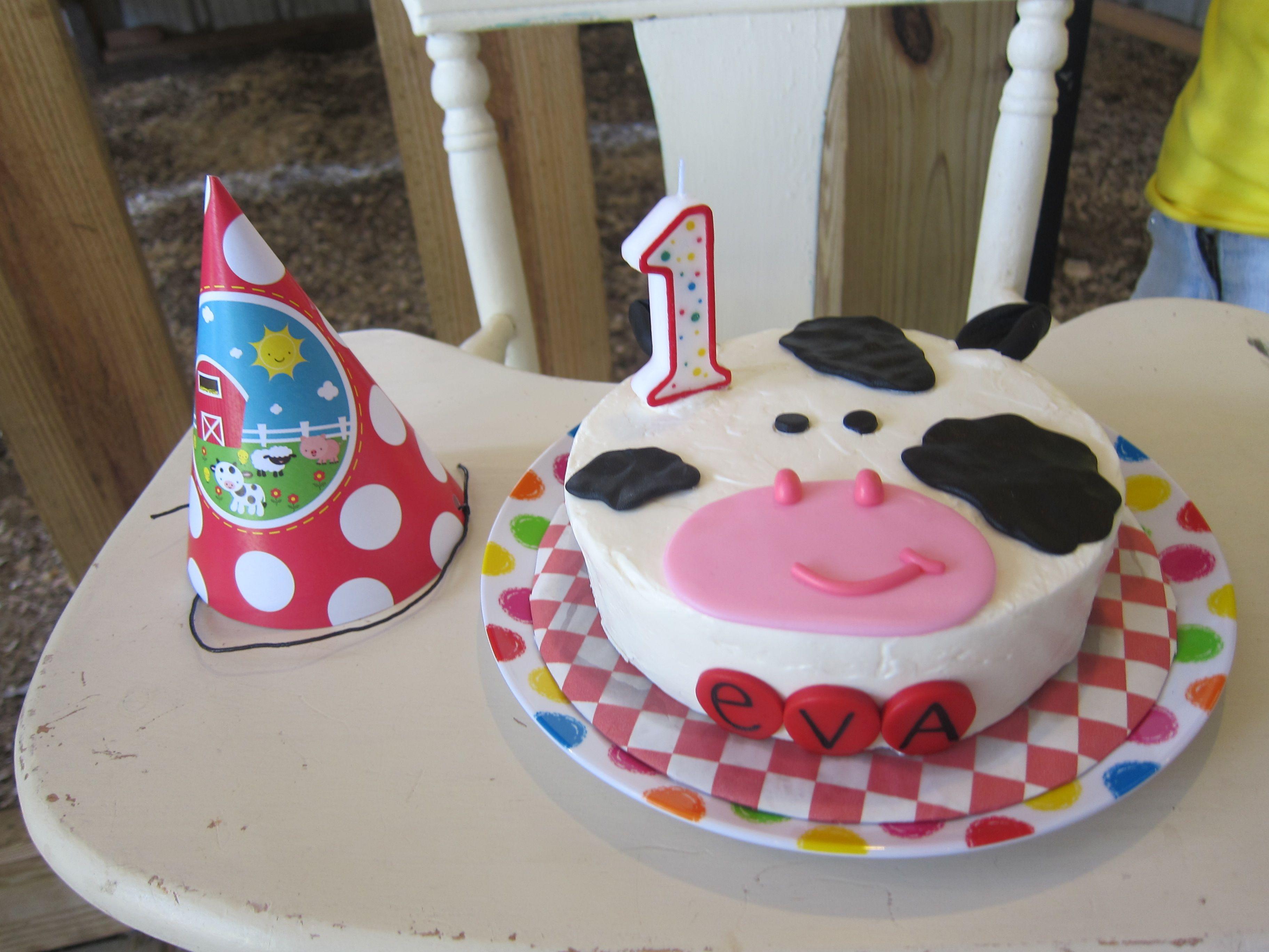 Farm Birthday Party Farm Animal Smash Cake With Images Farm
