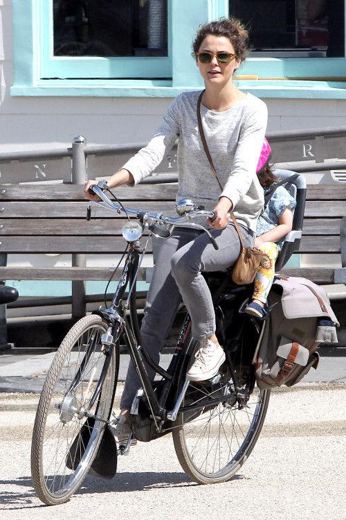 Keri Russell enjoys a bike ride with her daughter Willa **USA, Canada, Australia ONLY**