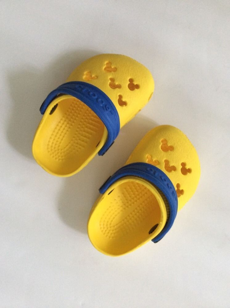 Mickey Mouse Crocs Infant Toddler Yellow Blue 2/3 Boy Girl