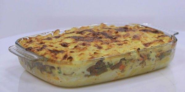 Cbc Sofra طريقة عمل مكرونة بشاميل باللحمة المفرومة نجلاء الشرشابي Recipe Food Food N Breakfast
