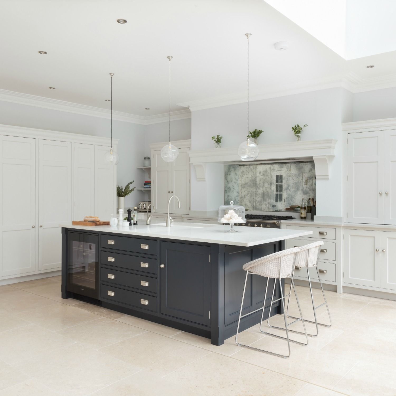London Nickleby Kitchen - Humphrey Munson - Front