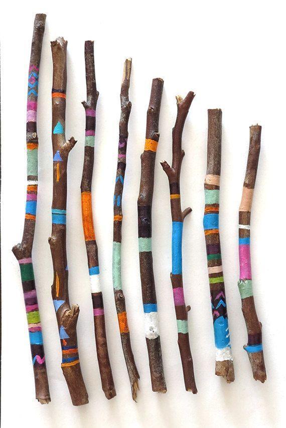 Recycling / Upcycling - Verzierte Zweige aus Ihrem Garten, entweder bemalt oder mit Stoffresten #wiederverwendung #wiederverwendung #zweckgerecht #twigcrafts