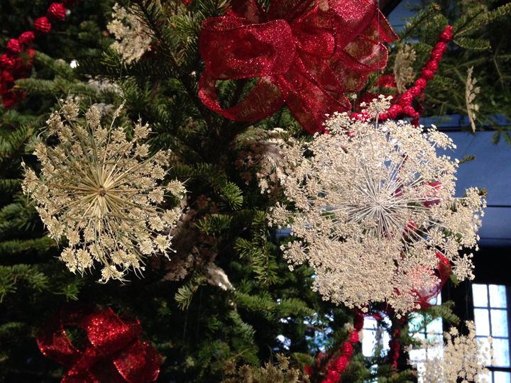 queen annes lace ornaments here is how you can make them for next years tree