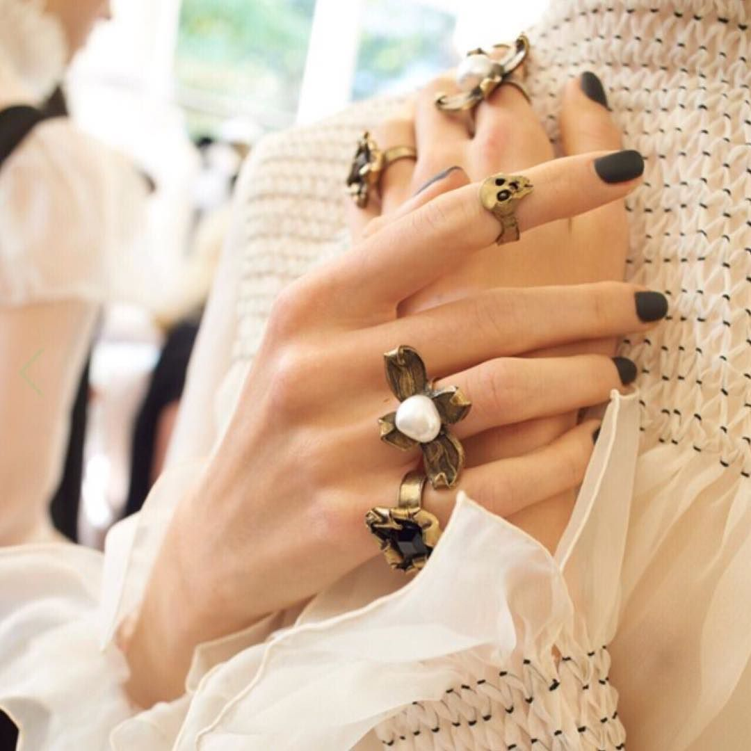 Elizabethan Punk is a thing you know! Just ask Valentino. All I need is that midi skull ring please. #punkpearls #pearlscouture