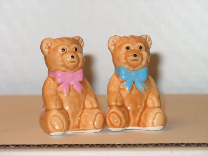 Teddy Bear Salt and Pepper Shaker by Shandal | Collectors Quest