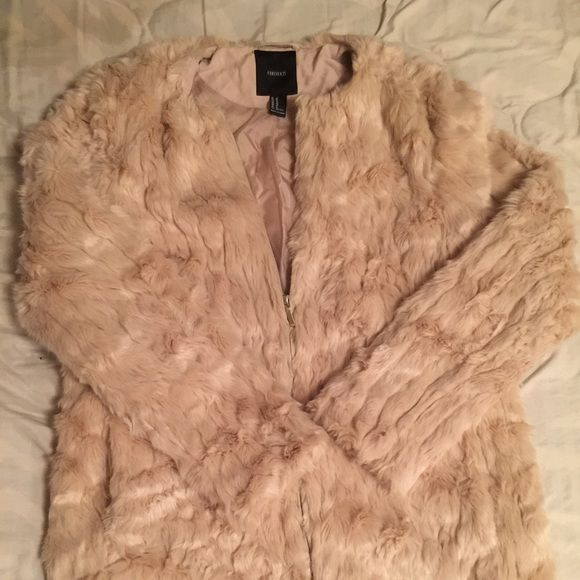 Faux Fur coat Forever 21 faux fur coat size M worn once -- like new! Forever 21 Jackets & Coats