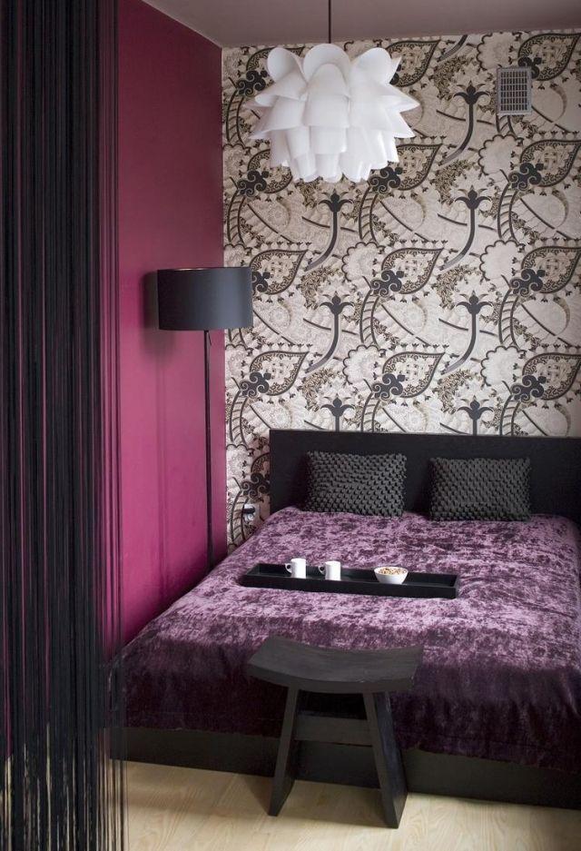 Schlafzimmer Ideen Gestaltung Farben Lila Schwarz Tapete Akzentwand Beige