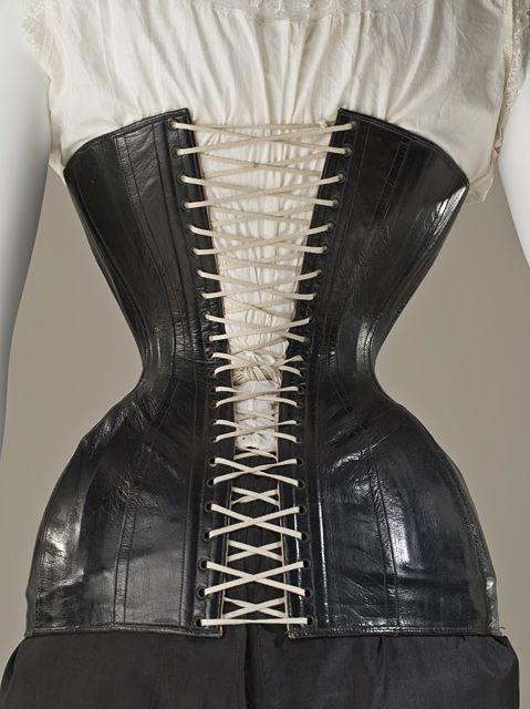7348d26ee15 Woman s Leather Corset (Back View)