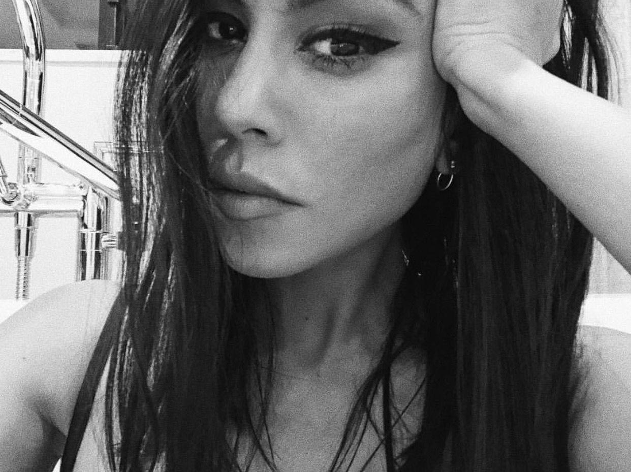Kourtney Kardashian wears black lace bra to breakfast
