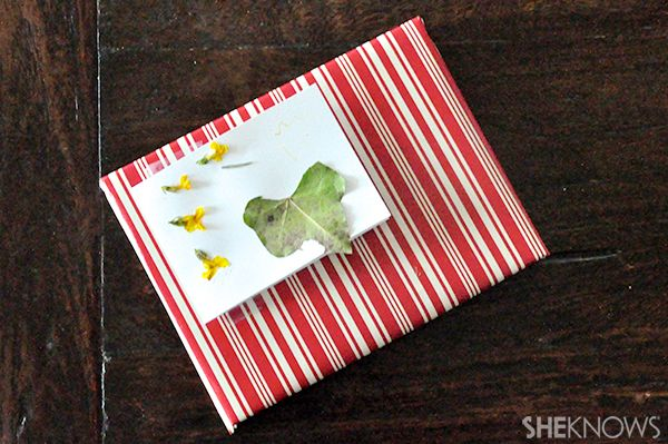 How to make greeting cards with fresh flowers