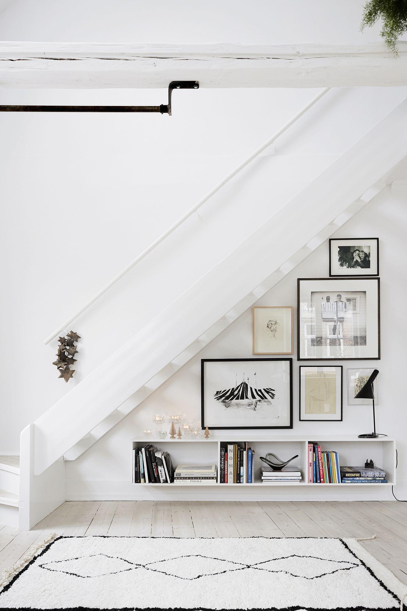 Compact Wohnideen Flensburg bilderwand unter treppe einrichtungs wohnideen