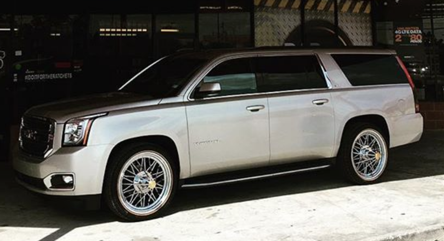 Gmc Yukon With 24 Vogue Tyres And Spokes What Do You Think