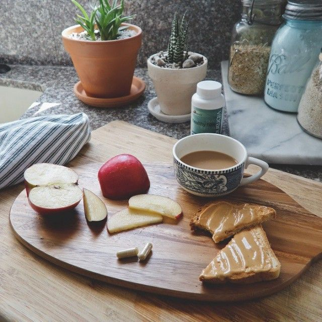 Quiet morning #coffeetime #cornersofhome #morningslikethese #healthyliving #food #brandbacker #breakast