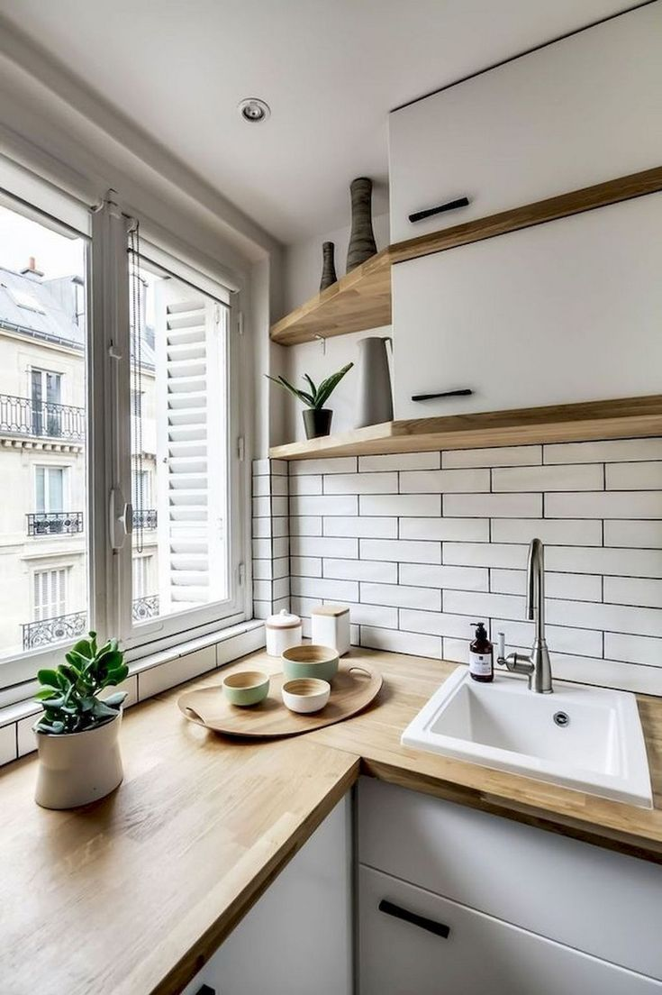 63 Marvelous Modern Farmhouse Kuchenschrank Und Arbeitsplatten Ideen Arbeitsplatten Farmh In 2020 Kitchen Window Design Kitchen Remodel Small White Wood Kitchens